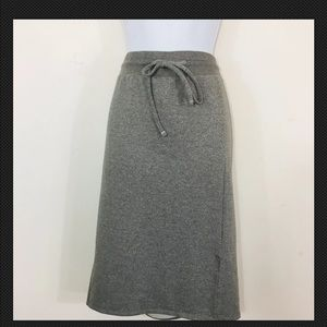 Torrid Skirt 2X Gray Knee Length Athleisure MO47